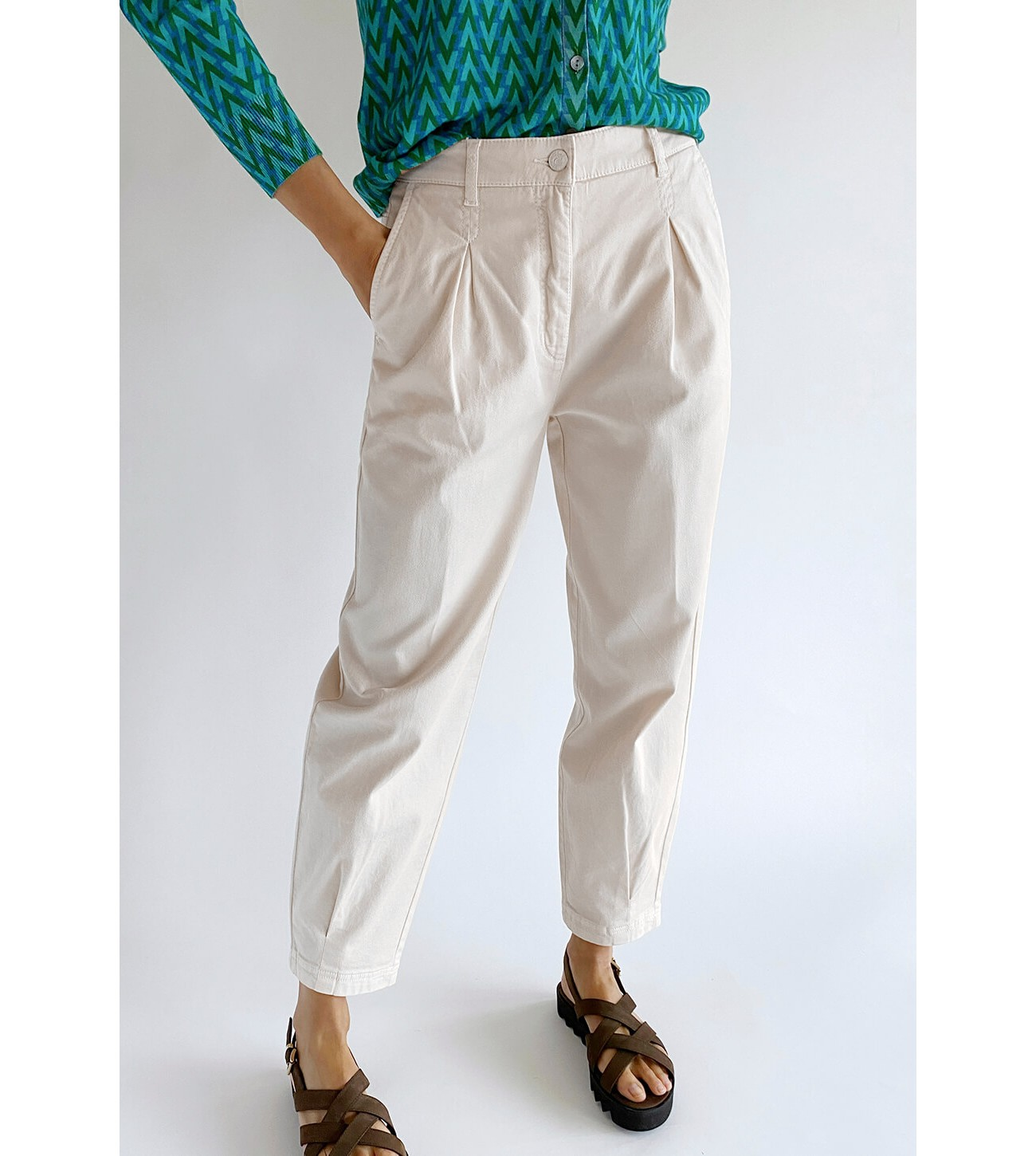CAMBIO_BOMBACHO_TROUSERS_WITH_PLEAT_AT_WAIST_AND_AT_CUFFS_MARIONA_FASHION_CLOTHING_WOMAN_SHOP_ONLINE_0284/01